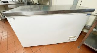1 x Polar CM530 Chest Freezer with Stainless Steel Lid 385 Litre - Dimensions: H84 x W138 x D69
