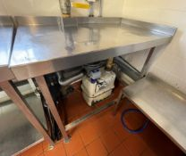 1 x Stainless Steel Corner Prep Table With Upstand - Dimensions: H86 x W100 x D60 cms - Ref: BLVD143