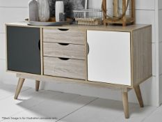 1 x Scandinavian StyleChest Of Drawers With An Oak Finish - Dimensions:82 x 90 x 39cm- NEW