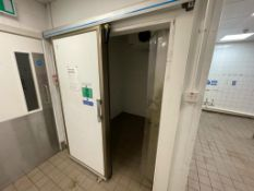 1 x Walk In Cold Room With Sliding Door and Searle GEA Cooler - Size H265 x W215 x D200 cms -