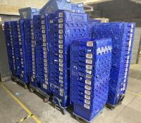 Approximately 80 x Storage Tote Boxes With Lids - CL670 - Ref: GEM280A - Location: Gravesend, DA11