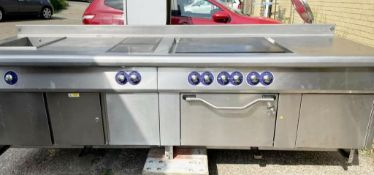 1 x Bonnet 3 Phase Cooking Centre - Total Length 6.2 Meters - Features Oven, Solid Top Griddle,
