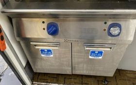1 x Electrolux Twin Tank 3 Phase Commercial FryerWith Baskets -CL667 - Location: Brighton, Sussex,