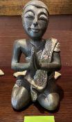 1 x Small KneelingBuddha Statue - 27cm High - Ref: SGV113 - CL672 - Location: Newcastle upon Tyne