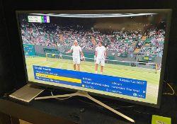 "1 x Samsung 32"" M5520 Full HD Smart TV WithRemote Control (UE32M5520AK) - NO VAT ON HAMMER"