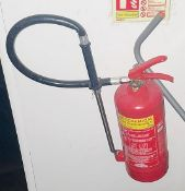 1 x Fire Extinguisher With Hose Attachment - CL674 - Location: Telford, TF3Collections:This item