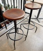 8 x Wooden Topped Bar Stools With Black Metal Bases - CL677 - Location: London W1FThis item is to be