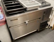 1 x HOSHIZAKI Ice Maker - Dimensions: 900mm X 600mm -Ref: MAN225 - CL677 - Location: London W1F