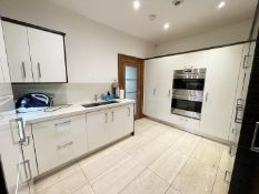 1 xBespoke FittedMowlem & Co Kitchen With Miele and Sub Zero Appliances & Granite Worktops -