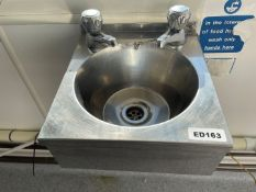 *2 Items* 1 x Wall Mounted Wash Station Sink (28 x 30cm) And 1 x Cobra Flystar - Ref: ED163 - To Be