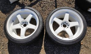 2 x White 5-Spoke 18 x 10 ET12 Wheels with 265 35 R18 Tyres For Nissan 350Z - CL682 - Location: Bedf