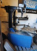 1 x Draper Expert Tyre Machine - Bead Breaker Requires Attention - CL682 - Location: Bedford
