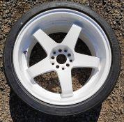 1 x White 5-Spoke 18 x 9.5 ET12 Wheel with New Tyre - Nissan 350Z - CL682 - Location: Bedford NN29