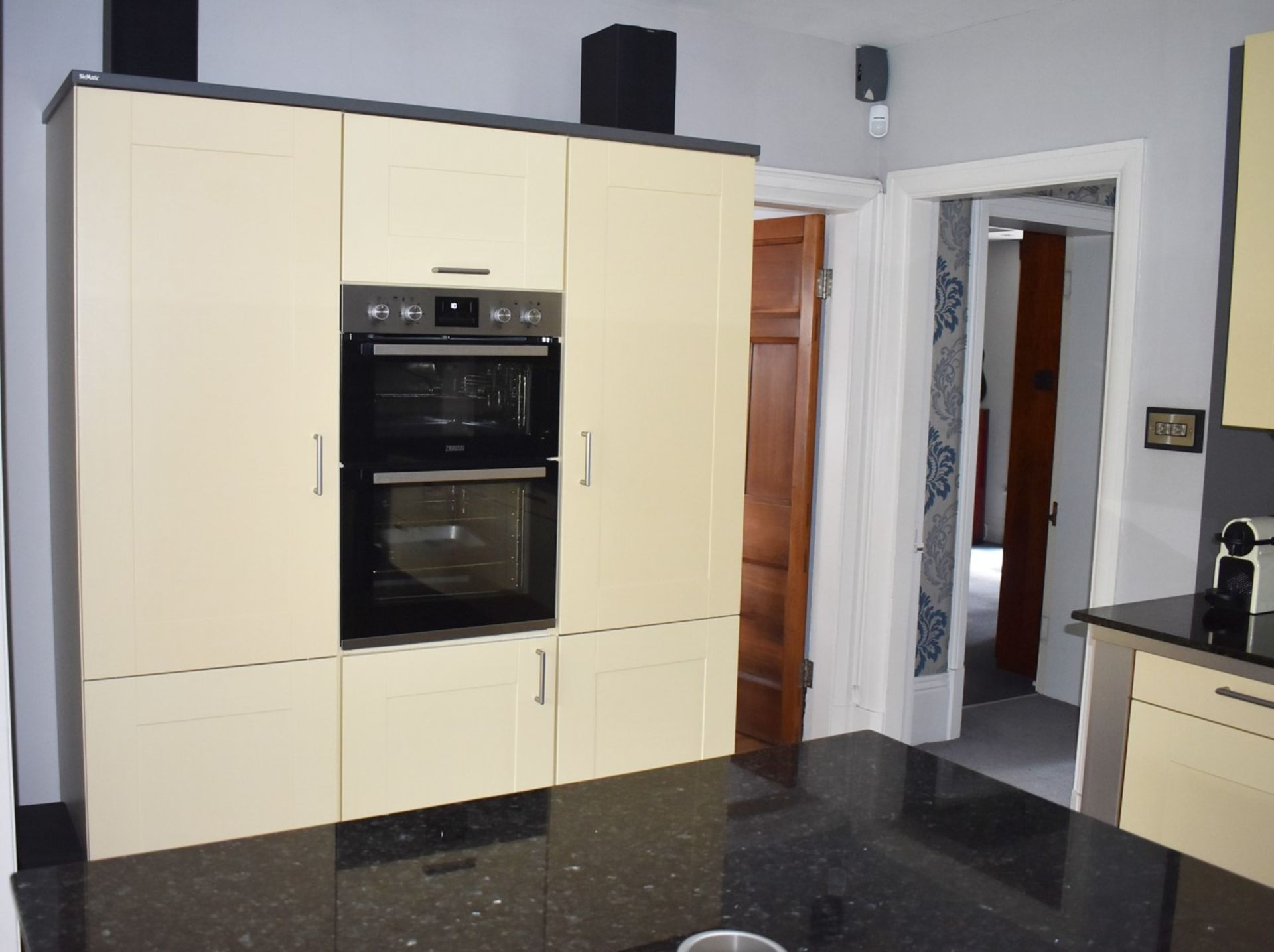 1 x SieMatic Contemporary Fitted Kitchen With Appliances - Features Shaker Style Doors, Central - Image 14 of 96