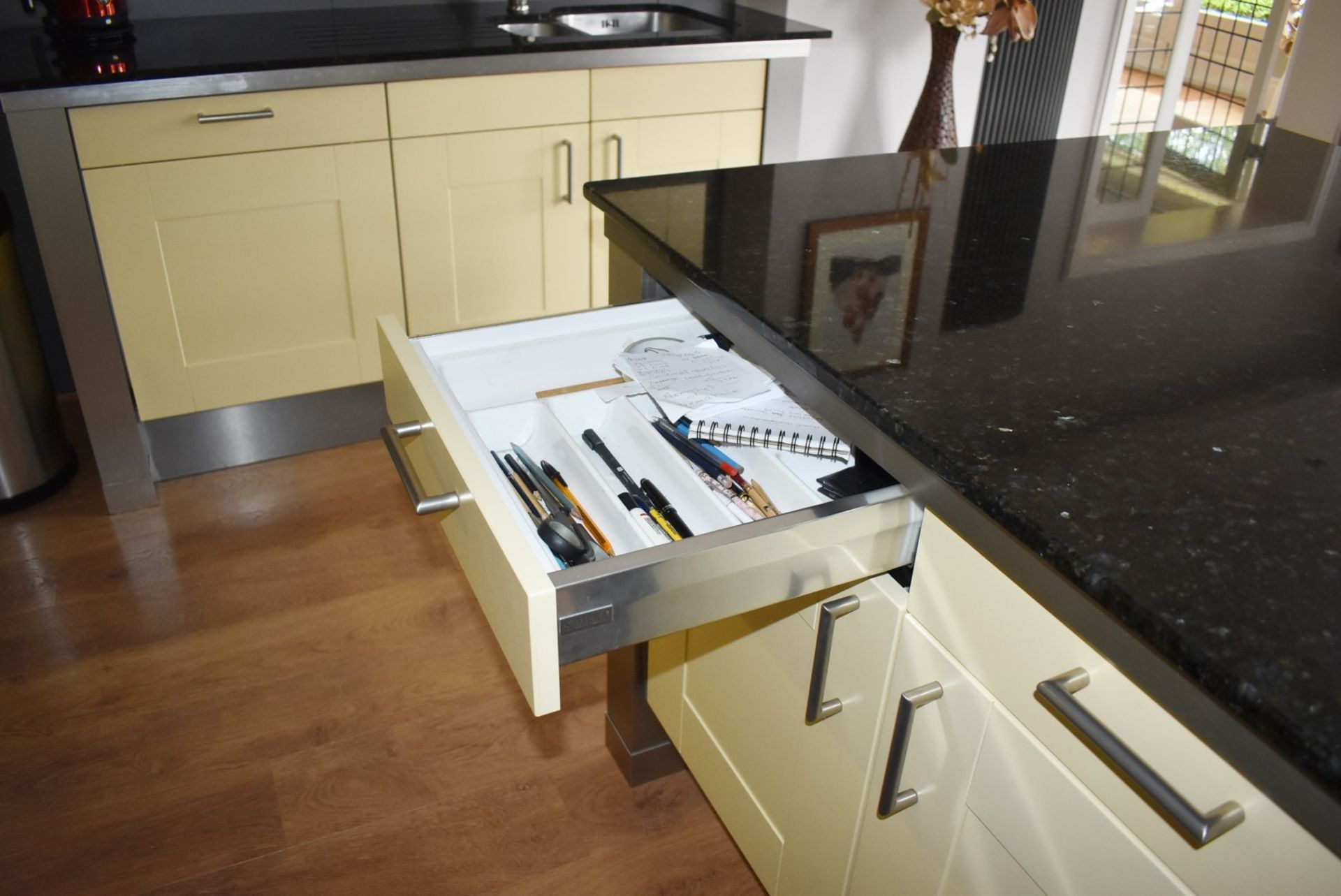 1 x SieMatic Contemporary Fitted Kitchen With Appliances - Features Shaker Style Doors, Central - Image 32 of 96