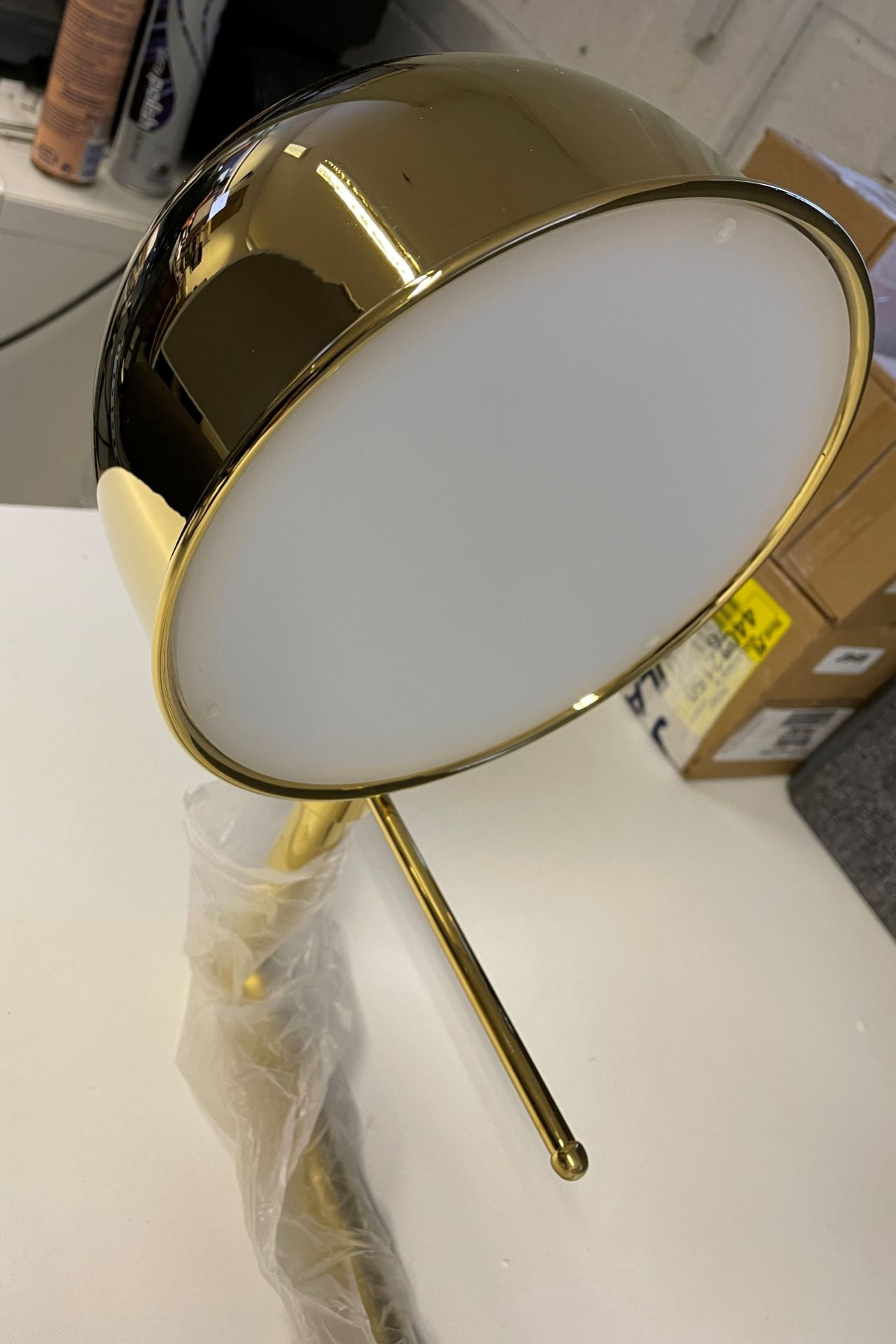 1 x Tall 119cm Polished Brass Wall Light with large adjustable round head (Diameter 21cm) with Wal - Image 3 of 18