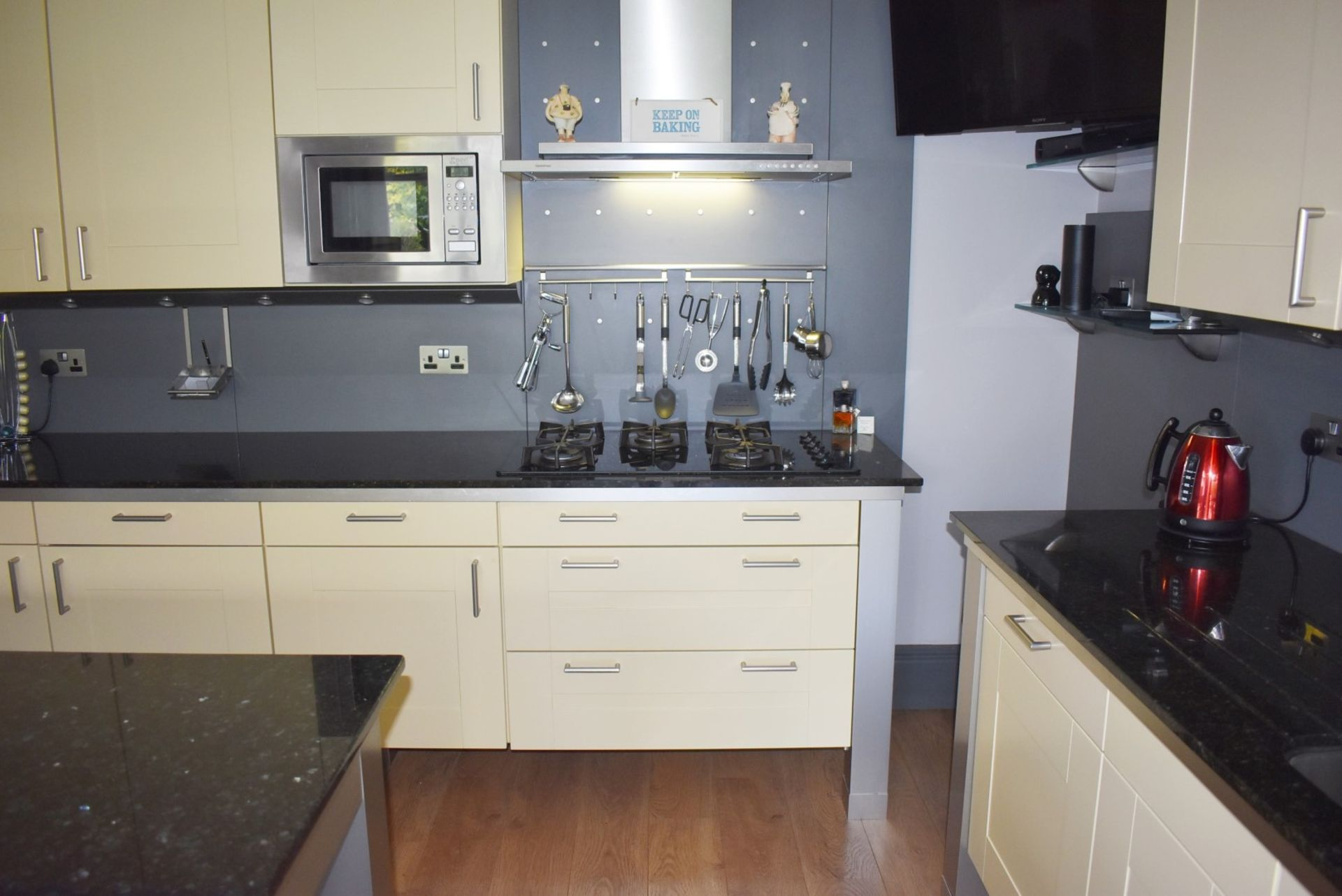 1 x SieMatic Contemporary Fitted Kitchen With Appliances - Features Shaker Style Doors, Central - Image 6 of 96