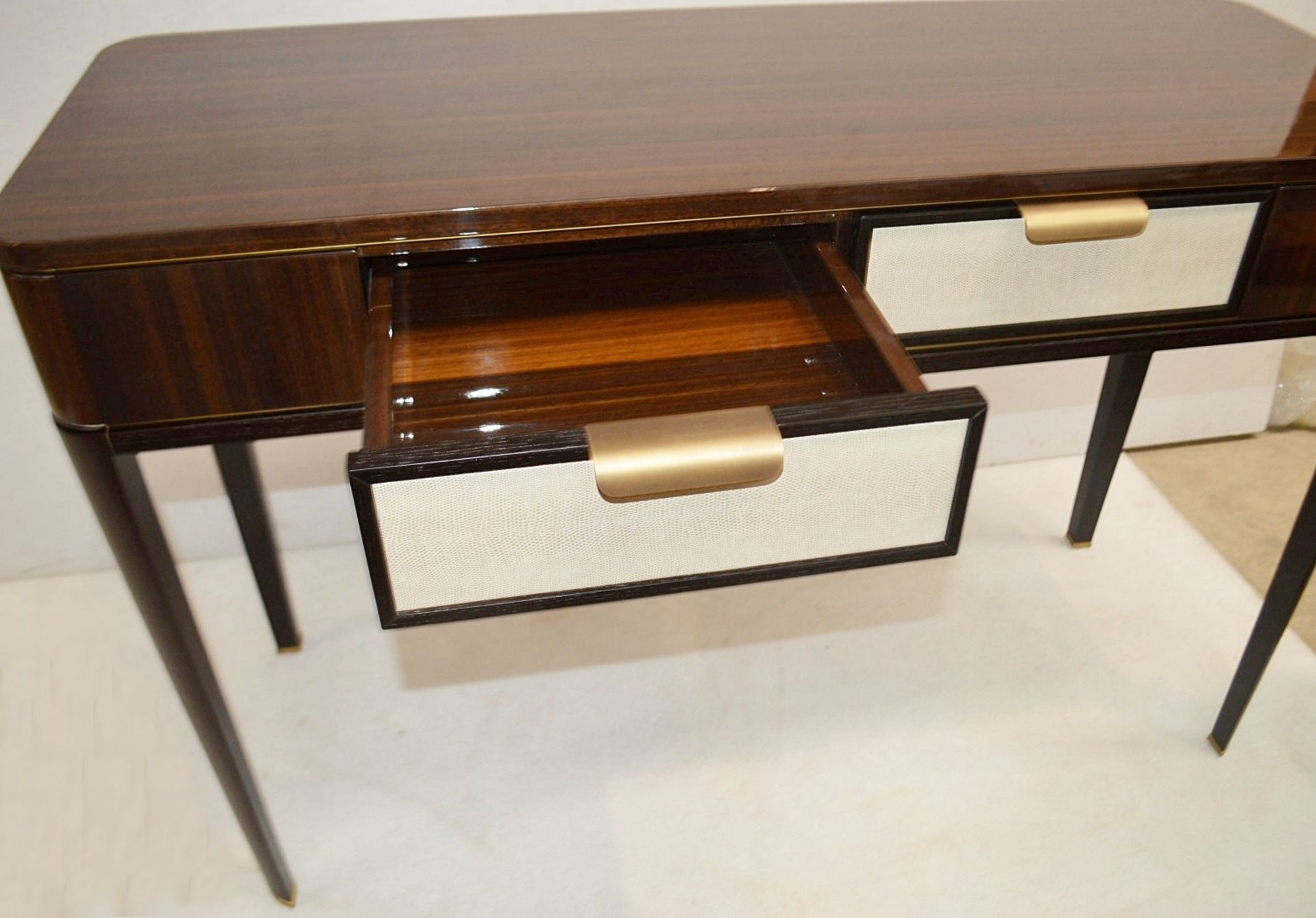 1 x FRATO 'Mandalay' Luxury Designer 2-Drawer Dresser Dressing Table In A Gloss Finish - RRP £4,300 - Image 6 of 17