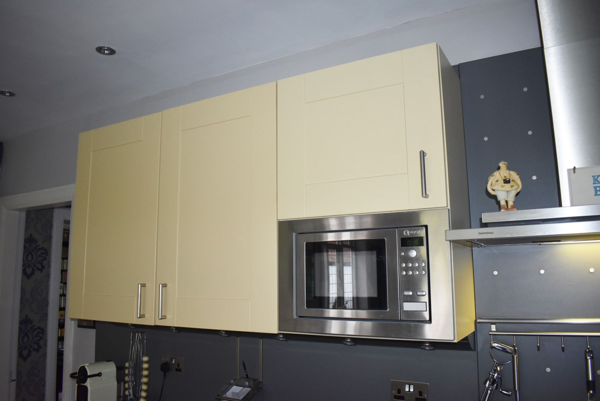 1 x SieMatic Contemporary Fitted Kitchen With Appliances - Features Shaker Style Doors, Central - Image 51 of 96