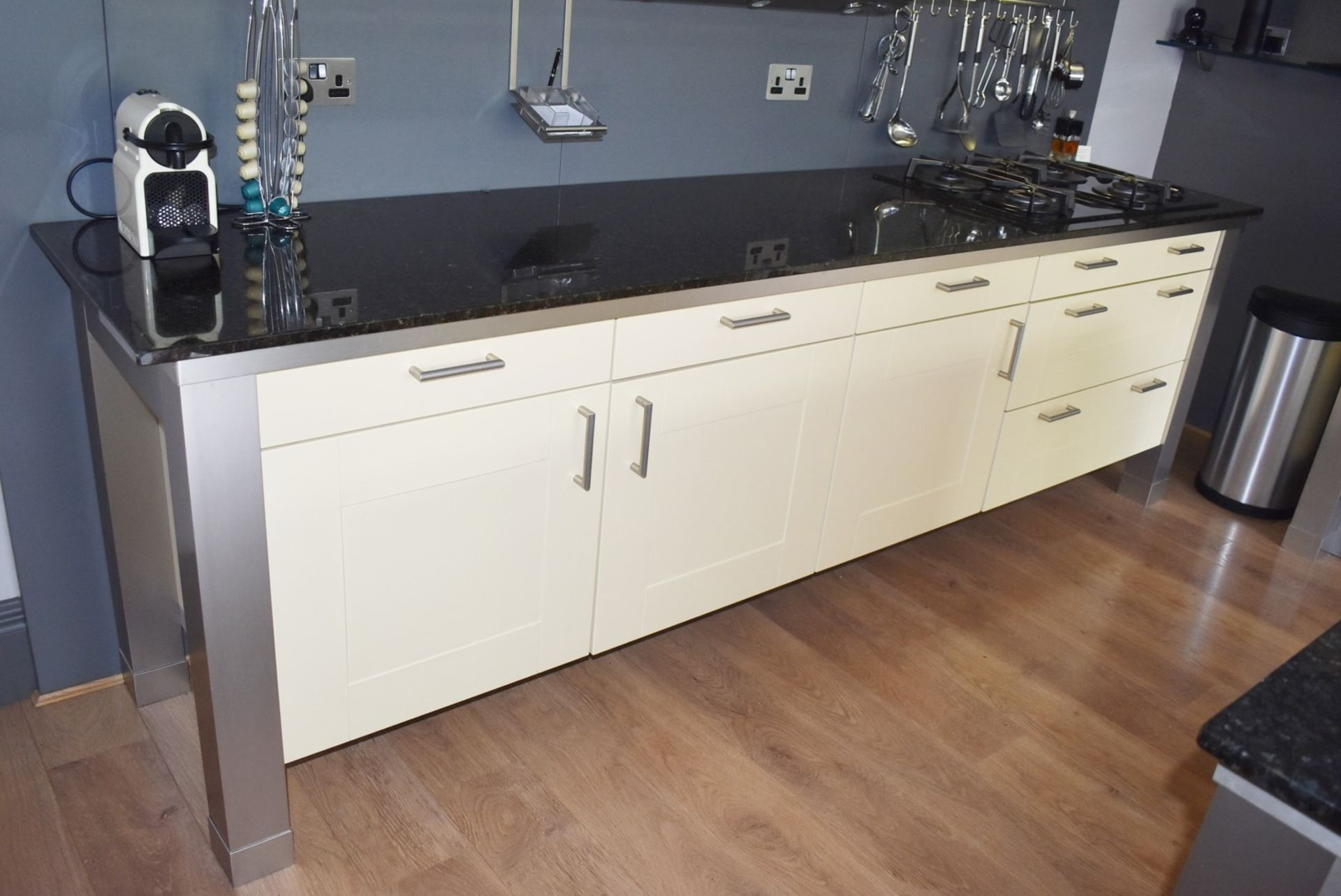 1 x SieMatic Contemporary Fitted Kitchen With Appliances - Features Shaker Style Doors, Central - Image 79 of 96