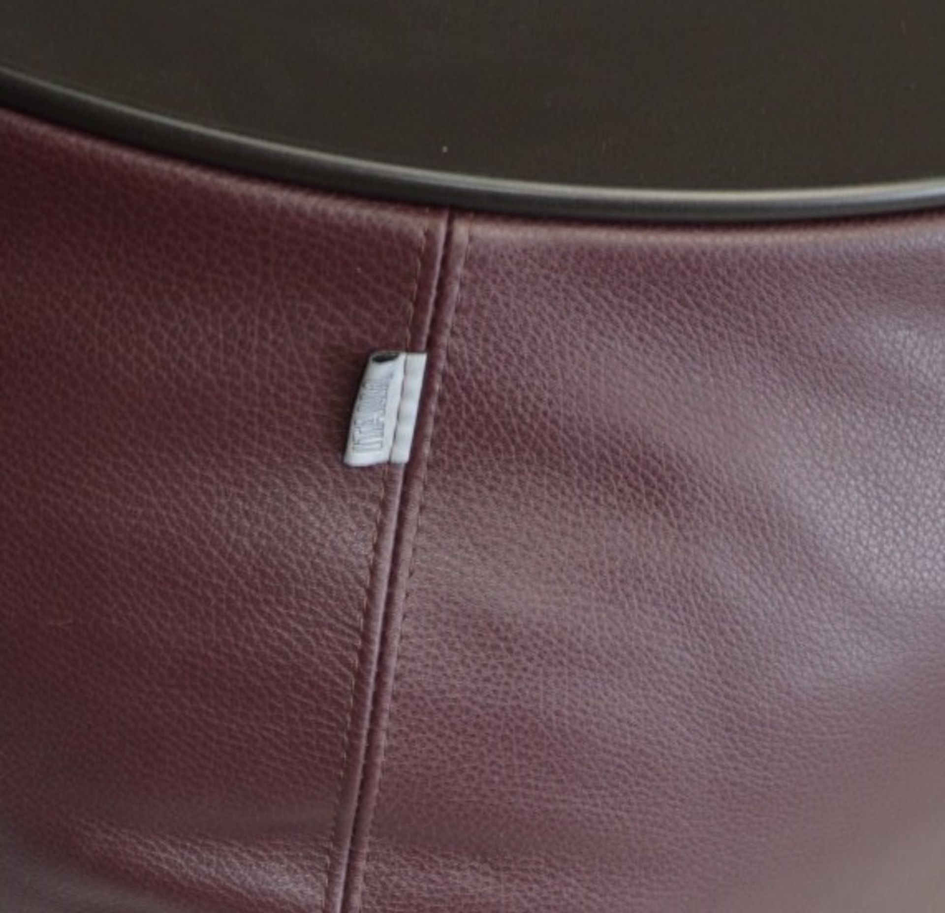 1 x B&B ITALIA 'Fat Fat' Lady Fat Low Coffee Table Upholstered In Genuine Leather - RRP £1,706 - Image 3 of 5