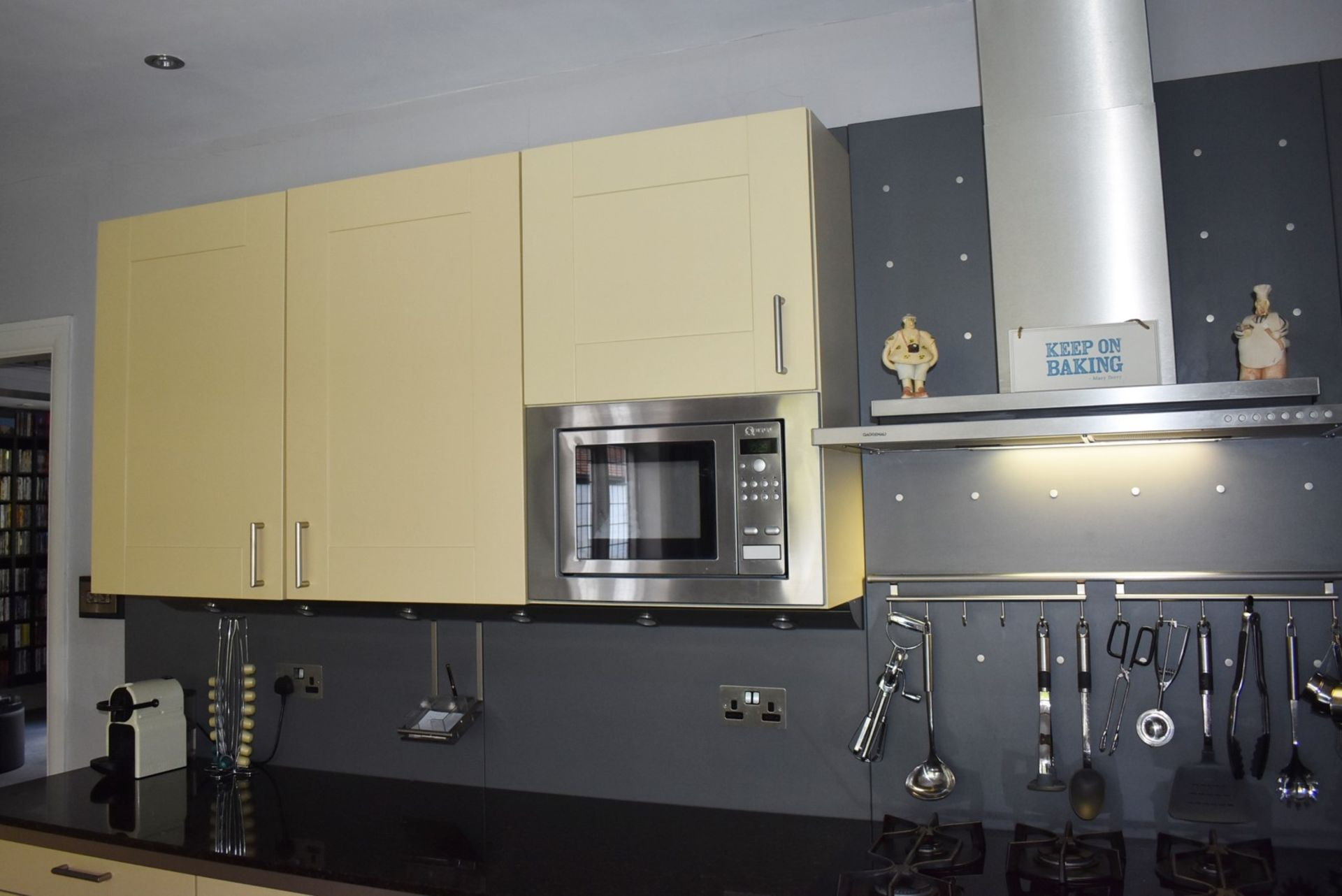 1 x SieMatic Contemporary Fitted Kitchen With Appliances - Features Shaker Style Doors, Central - Image 75 of 96