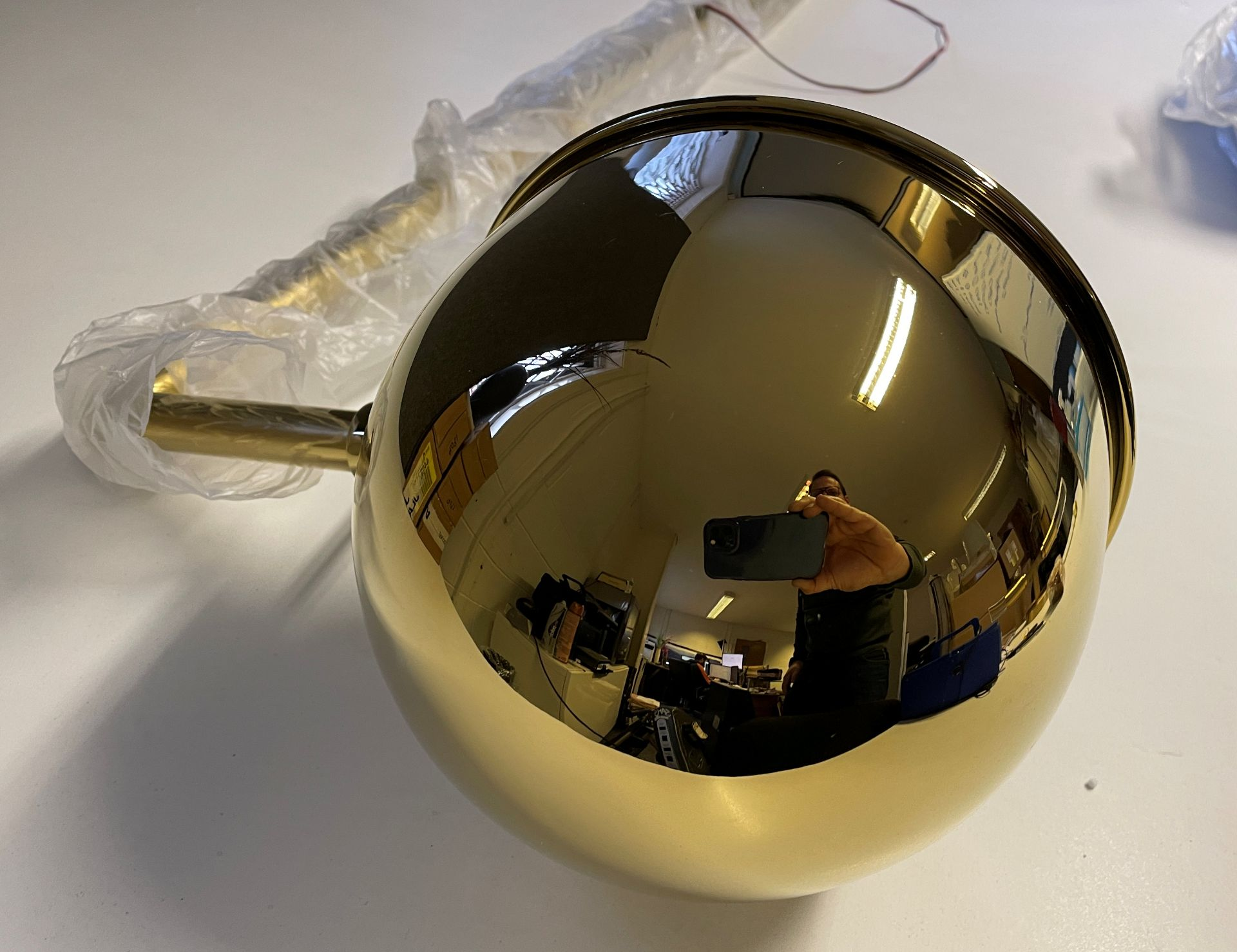 1 x Tall 119cm Polished Brass Wall Light with large adjustable round head (Diameter 21cm) with Wal - Image 6 of 18
