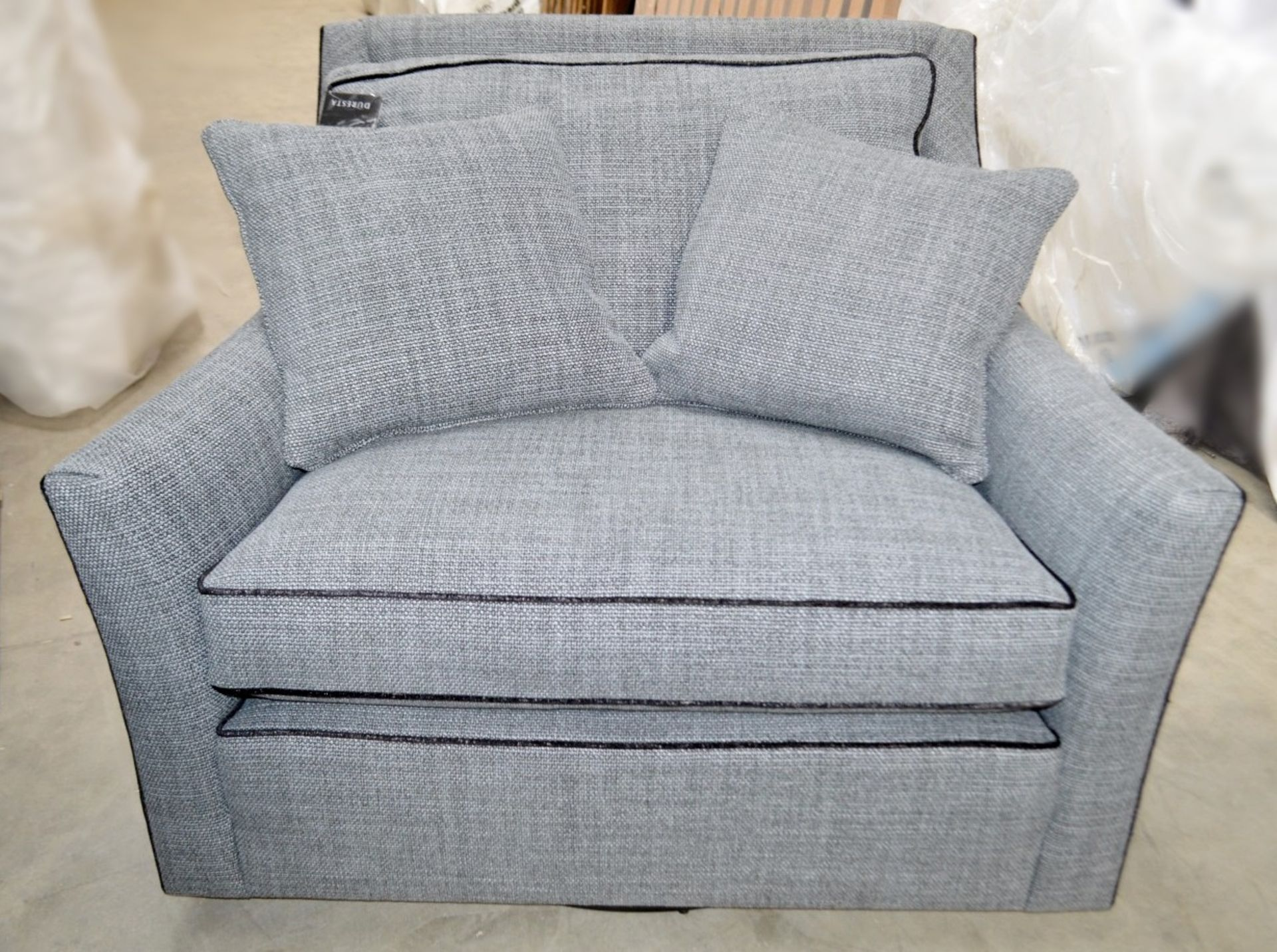 1 x DURESTA Hermitage Swivel Chair Upholstered In A Light Grey Premium Woven Fabric - RRP £3,729 - Image 2 of 7