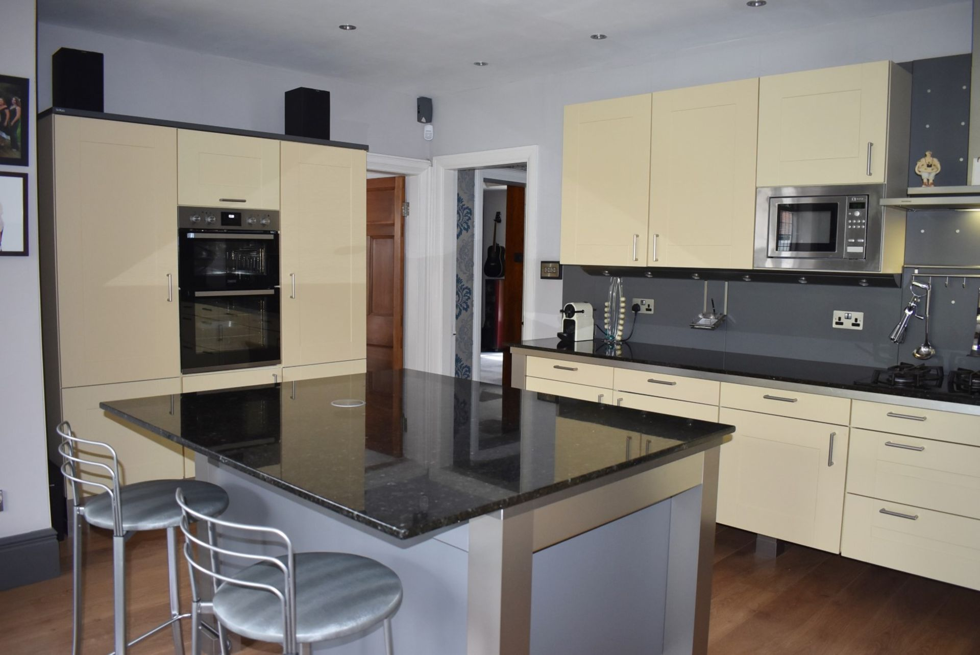 1 x SieMatic Contemporary Fitted Kitchen With Appliances - Features Shaker Style Doors, Central - Image 33 of 96