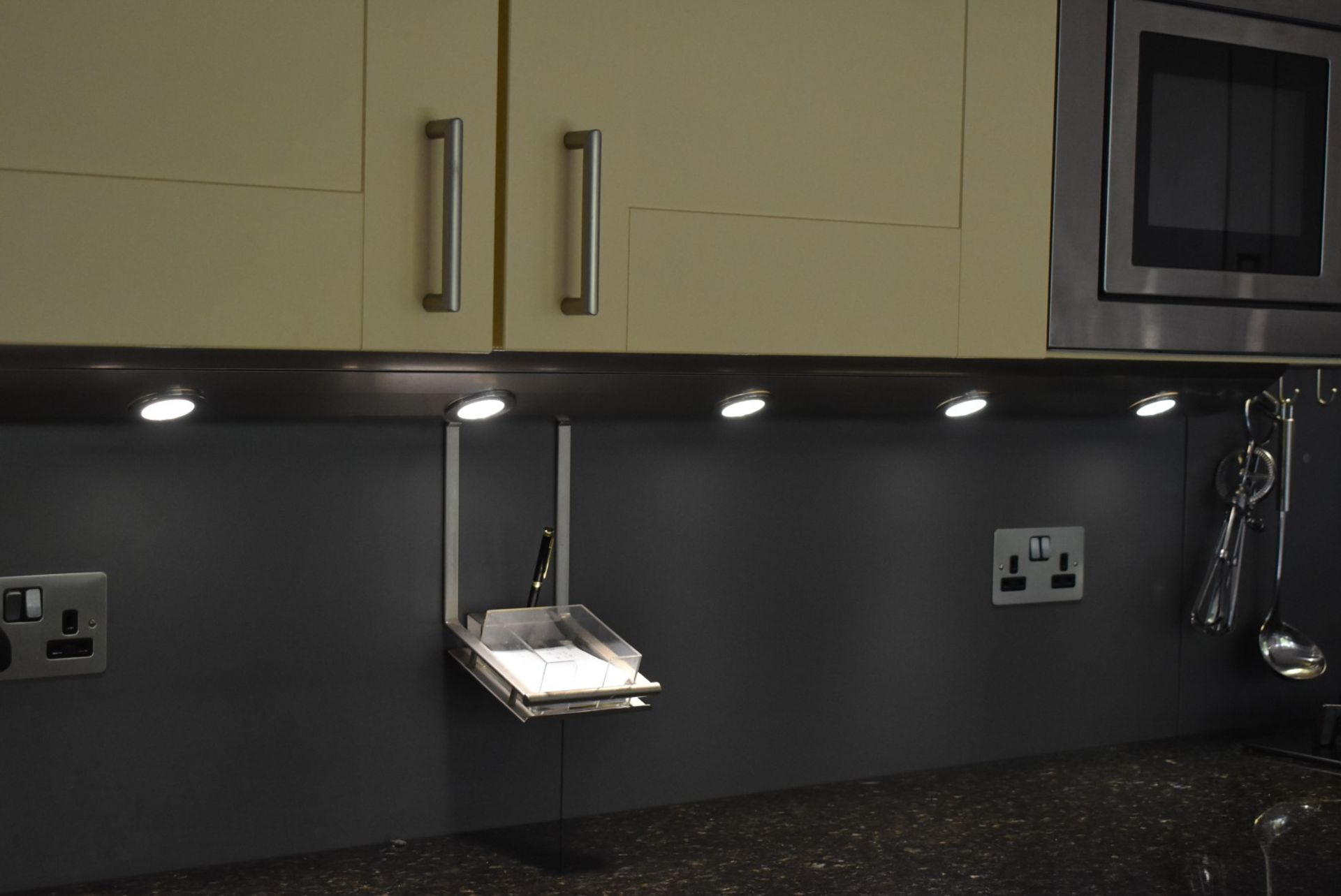 1 x SieMatic Contemporary Fitted Kitchen With Appliances - Features Shaker Style Doors, Central - Image 29 of 96