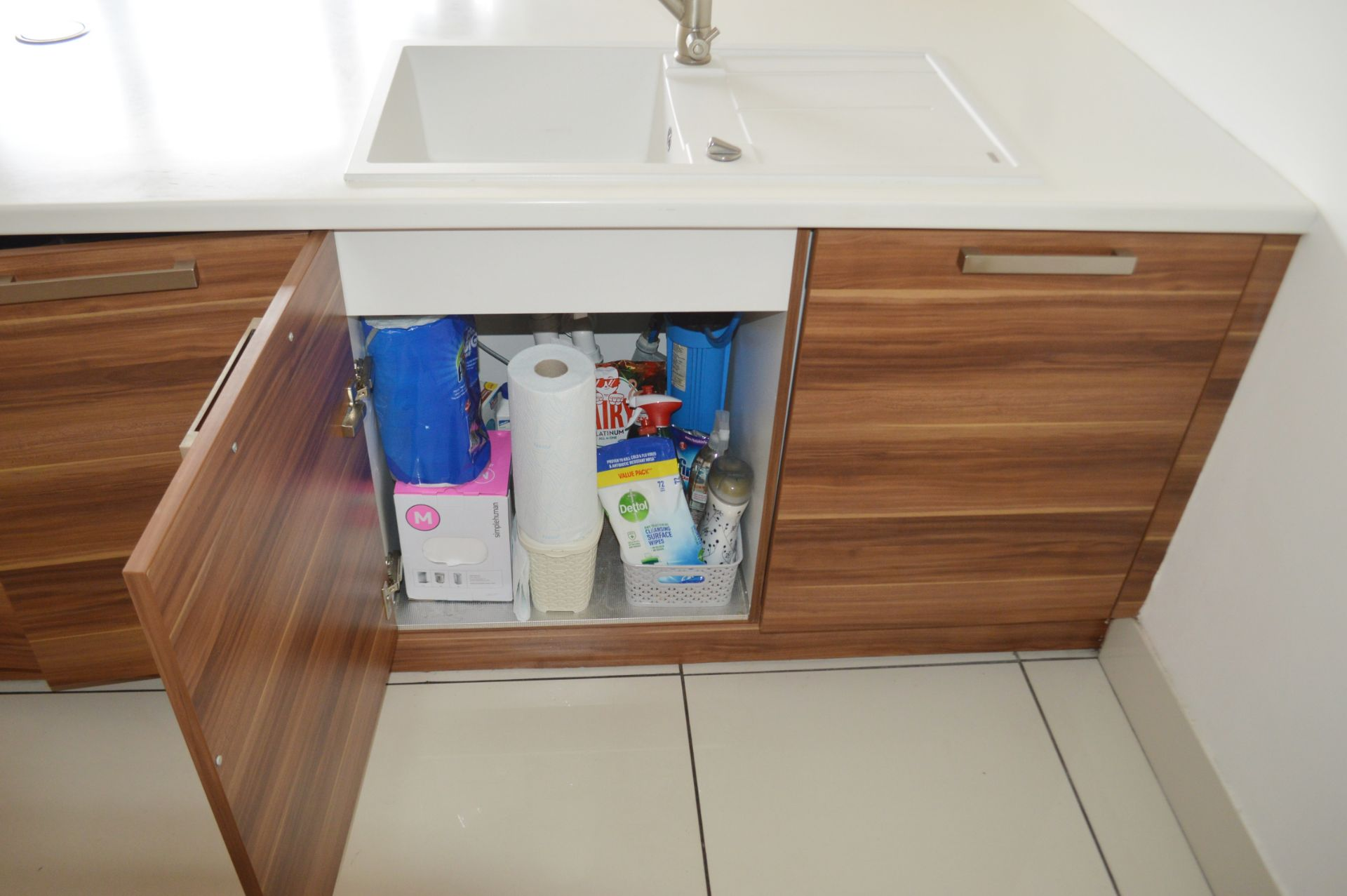 1 x Contemporary Bespoke Fitted Kitchen With Integrated Neff Branded Appliances, Quartz Worktops - Image 31 of 52