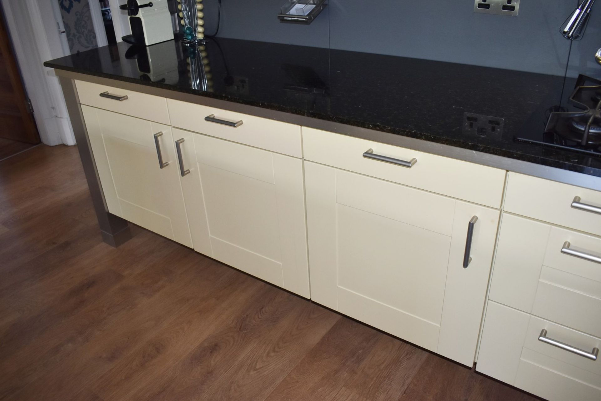 1 x SieMatic Contemporary Fitted Kitchen With Appliances - Features Shaker Style Doors, Central - Image 81 of 96