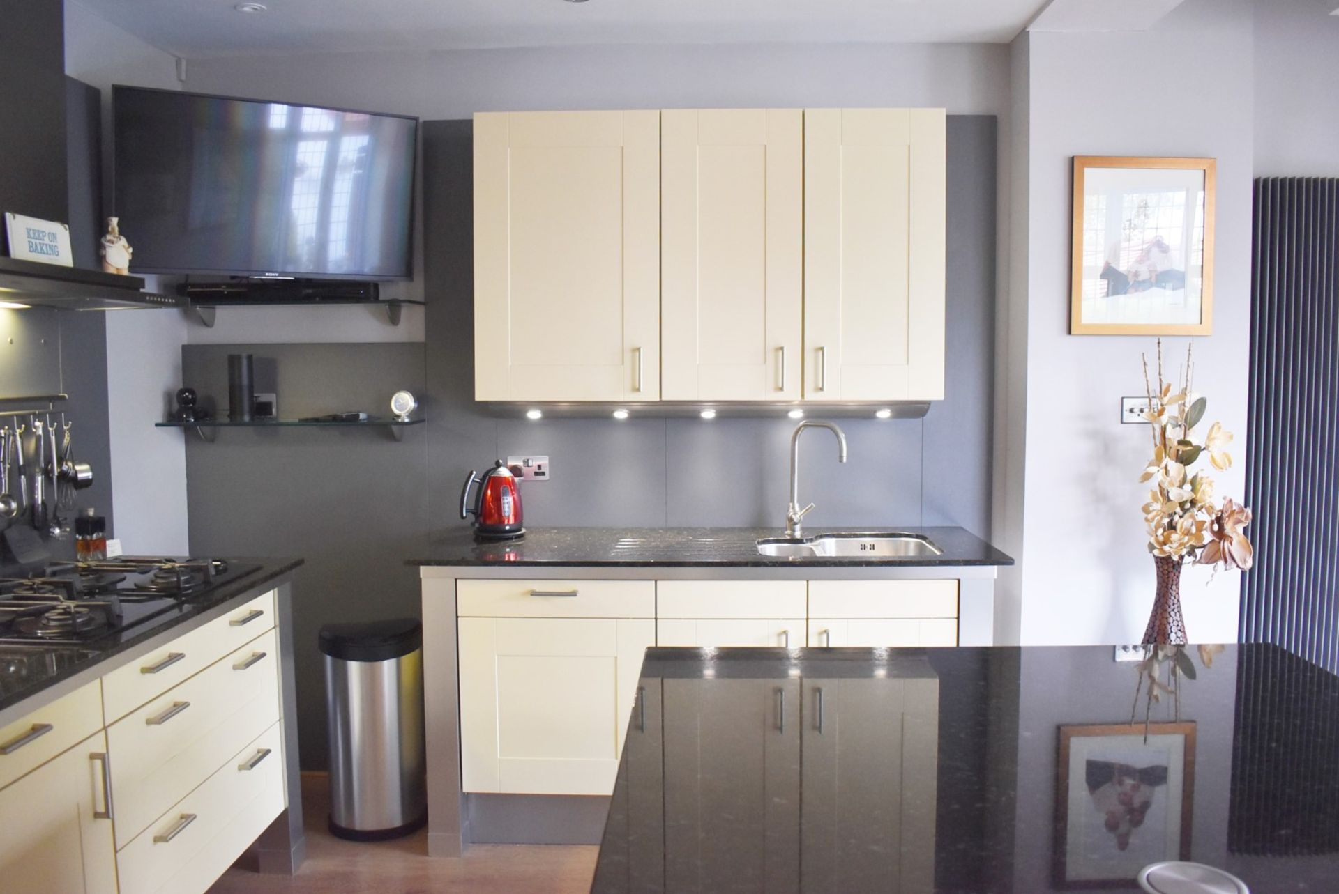 1 x SieMatic Contemporary Fitted Kitchen With Appliances - Features Shaker Style Doors, Central - Image 24 of 96