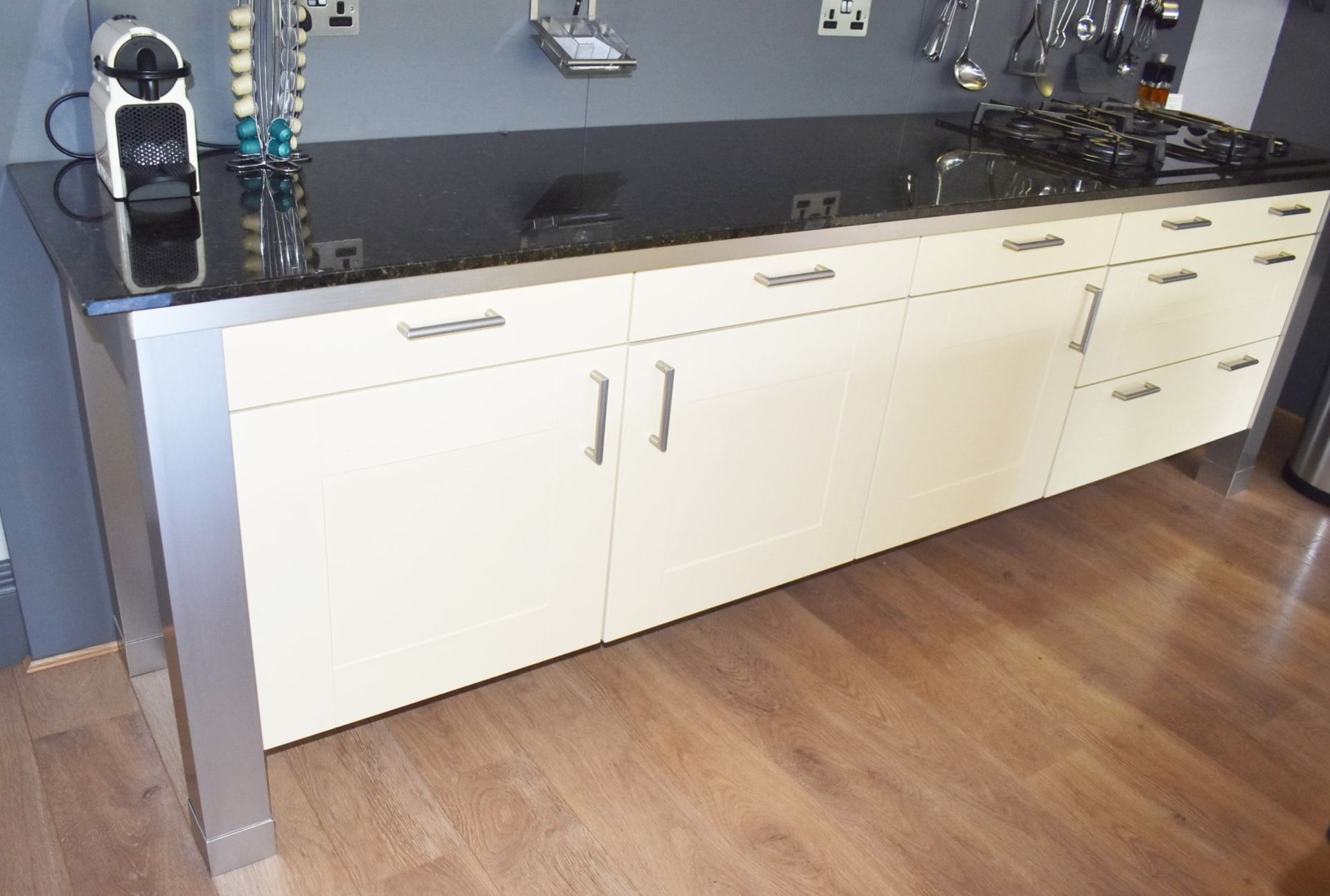 1 x SieMatic Contemporary Fitted Kitchen With Appliances - Features Shaker Style Doors, Central - Image 30 of 96