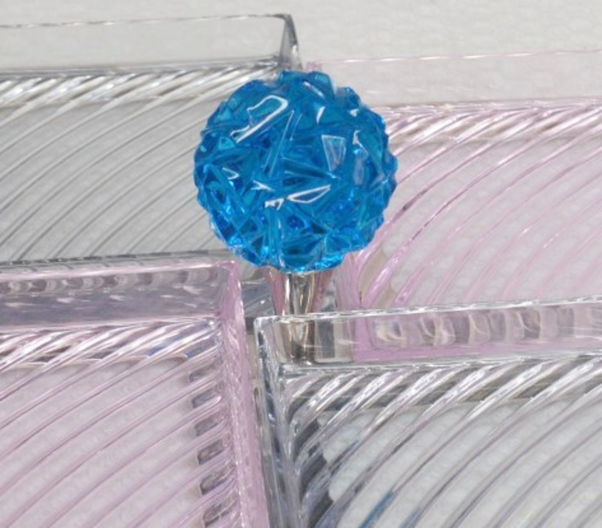 1 x BALDI 'Home Jewels' Italian Hand-crafted Artisan Glass 4-Dish Serving Trays In Smoke And Pink - Image 3 of 3