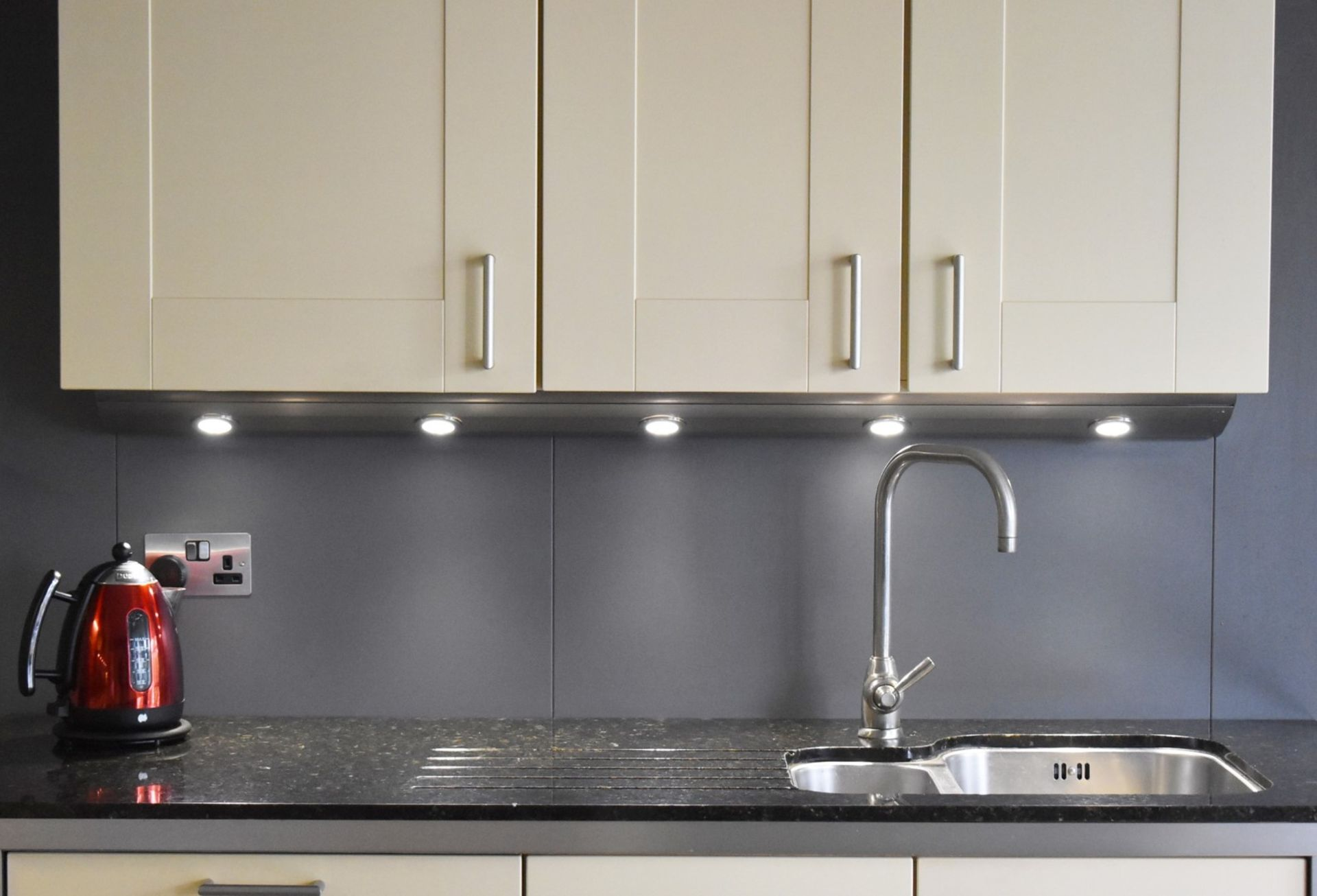 1 x SieMatic Contemporary Fitted Kitchen With Appliances - Features Shaker Style Doors, Central - Image 59 of 96