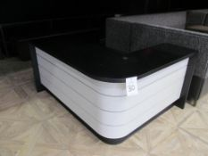 "L-Shaped Retail Counter, 56"" x 72"""
