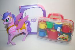 3X ASSORTED ITEMS TO INCLUDE LEAP FROG 3D, UNICORN & OTHER (IMAGE DEPICTS STOCK)Condition