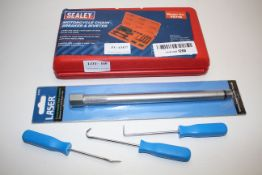 3X ASSORTED ITEMS TO INCLUDE SEALEY MOTORCYCLE CHAIN BREAKER & RIVETER & OTHER Condition