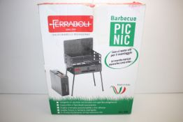 BOXED FERRABOLI ITALIAN BARBECUE PICNIC ART 208 RRP £39.00Condition ReportAppraisal Available on