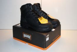 BOXED MAGNUM COMPOSITE SAFETY TOE AND PLATE SAFETY BOOTS ROADMASTER UK SIZE 8 RRP £49.99Condition