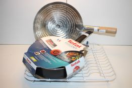 3X ASSORTED ITEMS TO INCLUDE TEFAL ELEGANCE 26CM FRYING PAN & OTHER (IMAGE DEPICTS STOCK)Condition