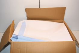 BOXED LARGE AMOUNT A4 WHITE ENVELOPESCondition ReportAppraisal Available on Request- All Items are