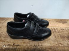 UNBOXED WOMENS SIZE 6 WIDE FIT BLACK PADDERS SADIE SHOES RRP £42.99Condition ReportAppraisal