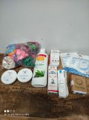 1 LOT TO CONTAIN 10 ASSORTED ITEMS TO INCLUDE SCRUNCHIES/MENSTRUAL CUP AND MORE(IMAGE DEPICTS
