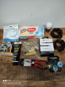 1 LOT TO CONTAIN 10 ASSORTED ITEMS TO INCLUDE GY STUFF/SCRATCH REMOVER AND MORE (IMAGE DEPICTS