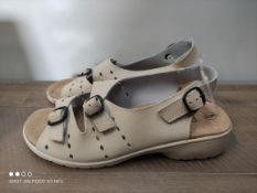 UNBOXED FREESTEP CREAM SANDALS SIZE 6 RRP £20 (IMAGE DEPICTS STOCK)Condition ReportAppraisal