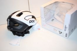 BOXED POC OMNE AIR RESISTANCE SPIN 54-59 MEDIUM 320G HELMET RRP £111.00Condition ReportAppraisal