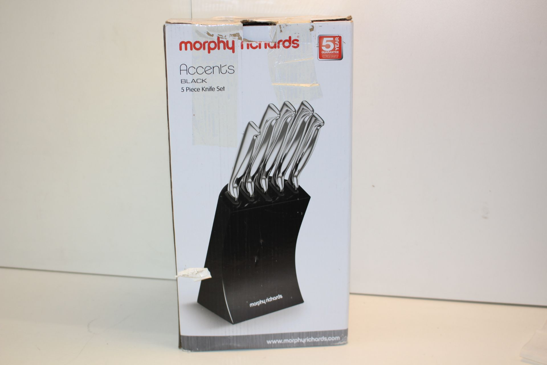 BOXED MORPHY RICHARDS BLACK KNIFE SETCondition ReportAppraisal Available on Request- All Items are