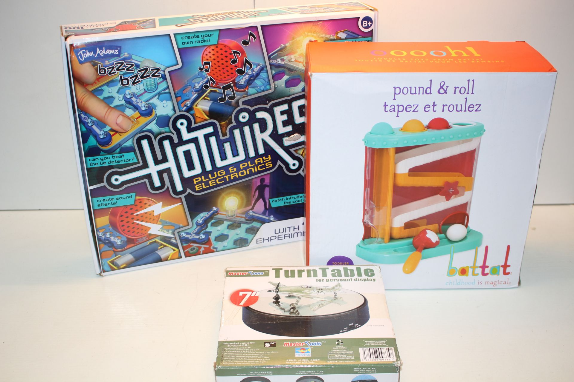 3X BOXED ASSORTED ITEMS TO INCLUDE POUND & ROLL, MASTER TOOLS TURNTABLE & HOT WIRES Condition